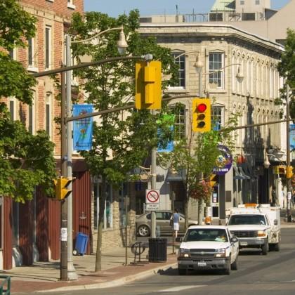 Лучшие канадские города для поиска работы в  провинциях Онтарио и БК