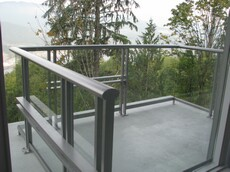 тихая 2-комнатная квартира с видом на горы и залив Ванкувер Vancouver большой балкон
