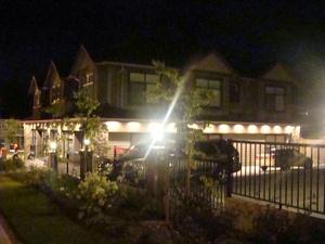 недвижимость в Ванкувере Порт Муди  коммерческая недвижимость три отдельных коммерческих помещения