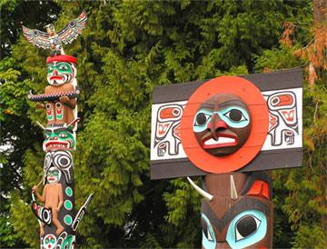 Индейские тотемы в Ванкувере Британской Колумбии