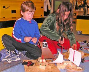 Создание макетов кораблей в музее мореплавания.