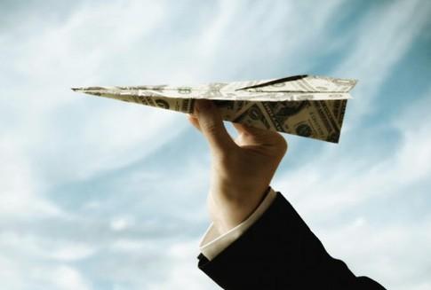 Сколько вы платите за перевод денег в другую страну ?