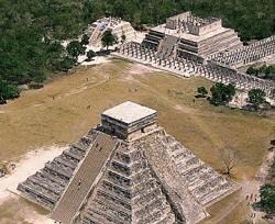 Находясь в карибском круизе, можно посмотреть пирамиды Chichen Itza