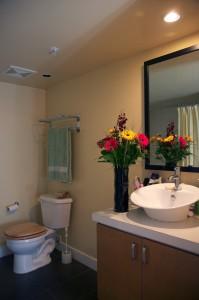 Ванная комната квартиры в Северном Ванкувере